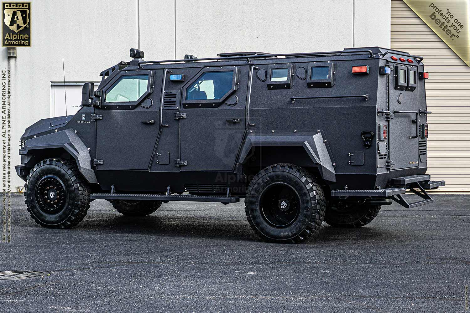 Inventory SWAT Truck Pit-Bull VX RHD B7 VIN: 1FDUF5HT4DEB83631  Exterior Images
